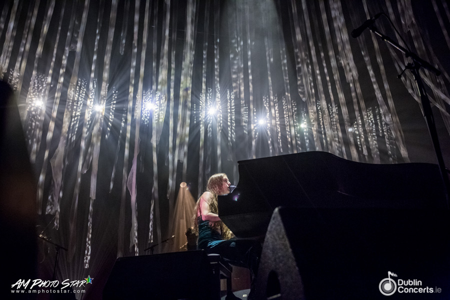 Birdy at Olympia Theatre Review Photos
